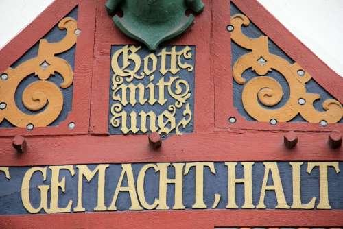 House Truss Inscription Gold