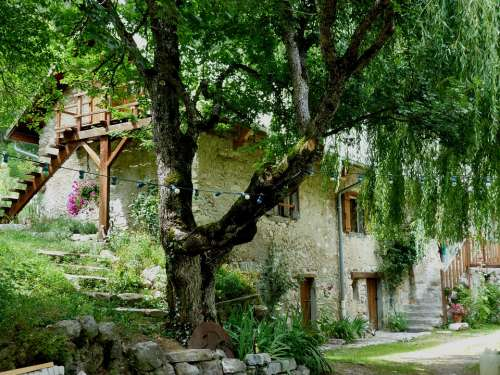 House Hostel Mountain Shading Promenade Calm