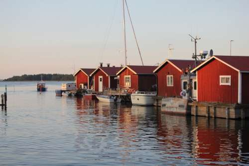 House Sweden Vänern Water Lake Mirroring Sky Blue