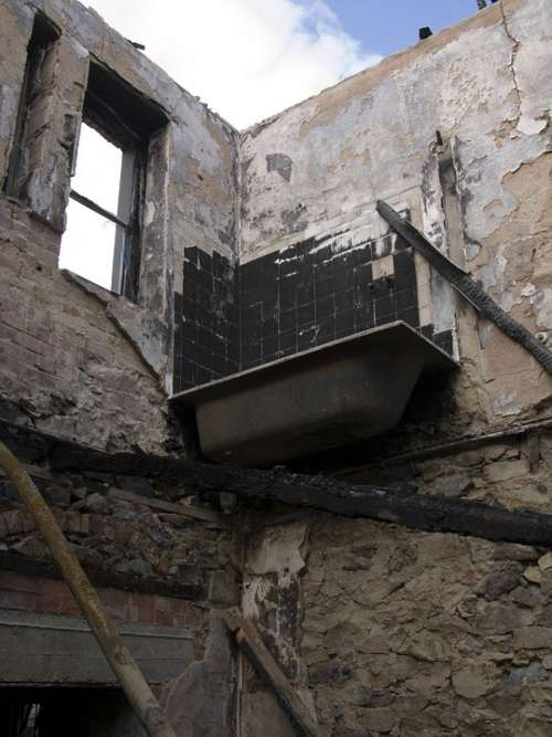 House Ruin Building Old Bath Burnt Building Burnt
