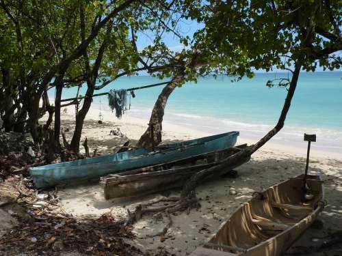 Jamaica Beach Boats