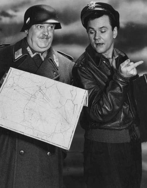 John Banner Bob Crane Actors Tv Hogan'S Heroes