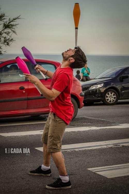 Juggler Juggling Street Artist Traffic Light