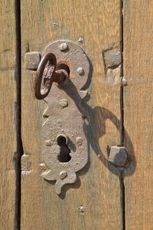 Key Key Hole Rust Iron Fitting Locks To