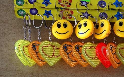 Keyrings Toys Pendants Gadgets Hearts
