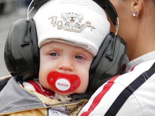 Kid Fülvédö Engine