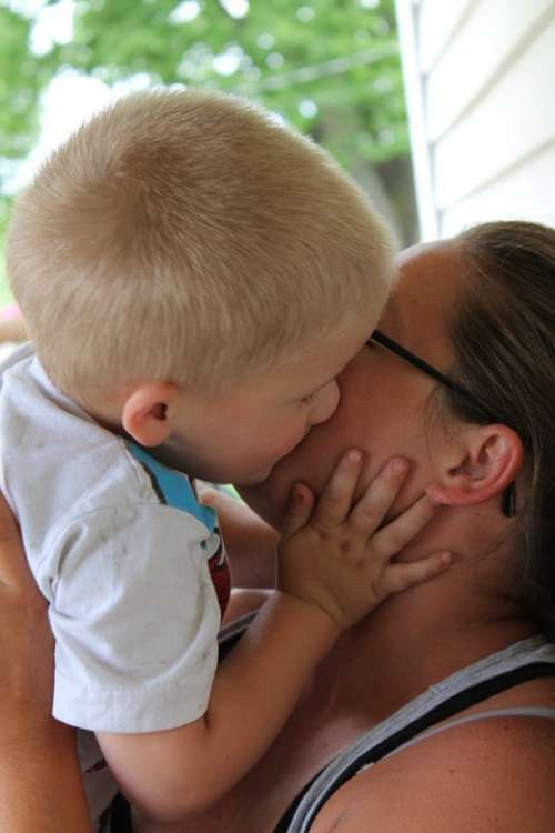 Kiss Toddler Family Love Auntie Female Baby