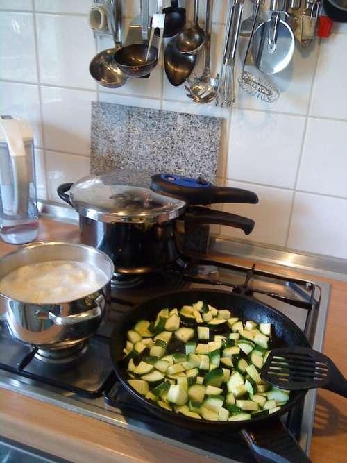 Kitchen Cook Gas Stove Pressure Cooker Zucchini