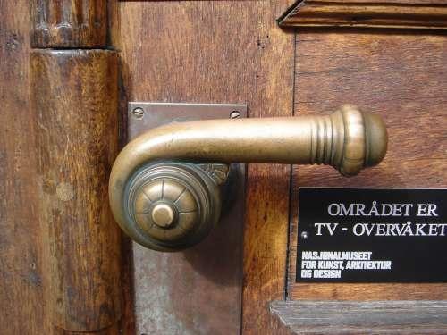 Knob Crank Passepartout
