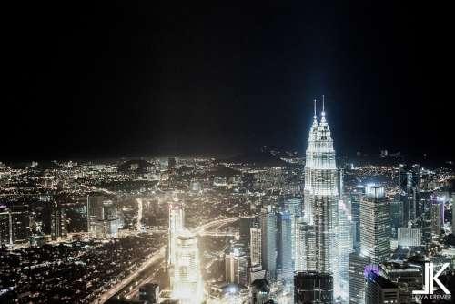 Kuala Lumpur Petronas Twin Towers Building Black