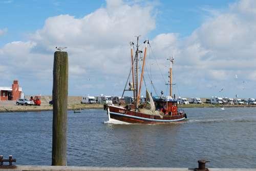 Lake Sea Port Harlesiel Fishing Boat Gull Bollard