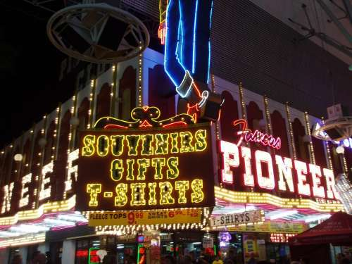 Las Vegas Souvenirs Shop Illuminated Advertising