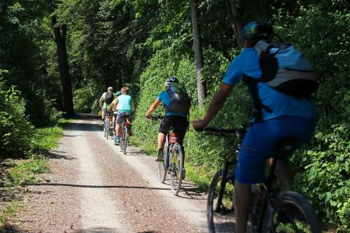 Leisure Vacations Sport Cyclists Wheel Drive Tour