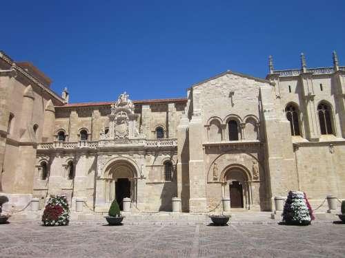 Leon San Isidoro Monument Romanesque Architecture