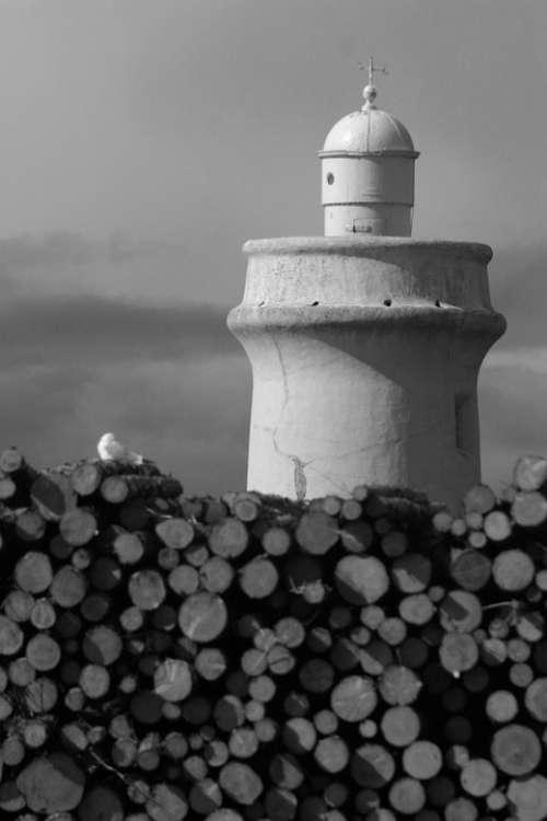 Lighthouse Harbor Wood Port