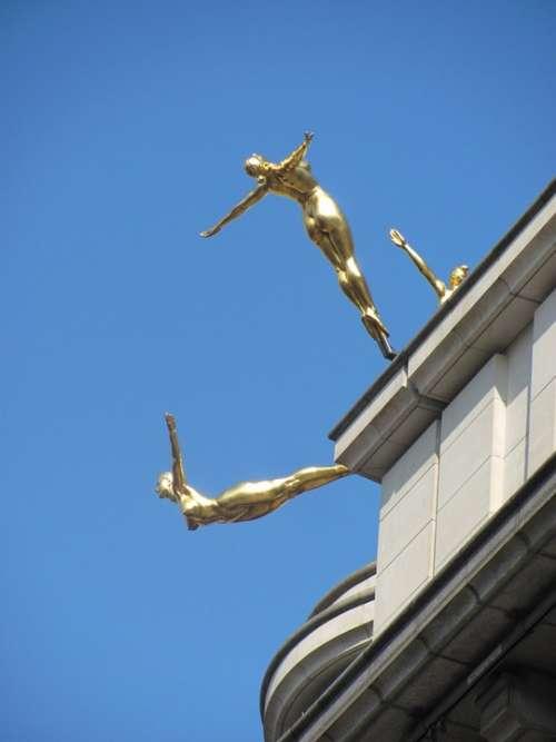 London Sculpture Naked Gold Sky Woman