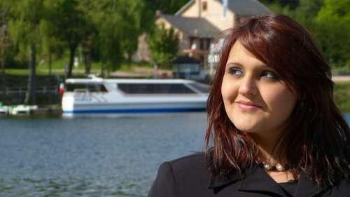 Look Head Woman Boat Lake Port Water Settons