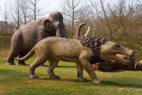 Löwem Mammoth Prehistoric Art Statue Garden