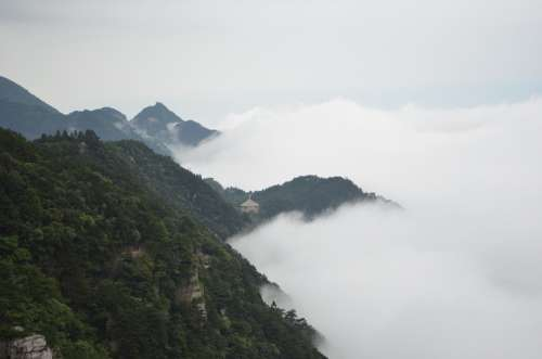 Lushan The Rich Brocade Valley Cloud Landscape Ink