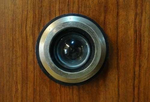 Magic-Eye Peephole Door Device
