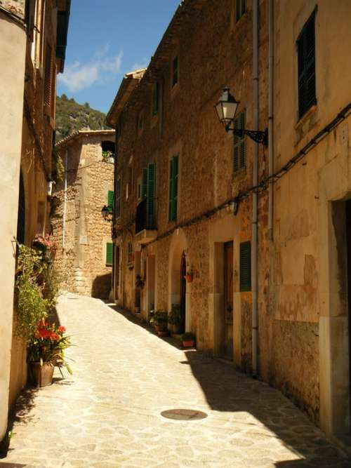 Majorca Townhouses Valdemossa Alley Street House