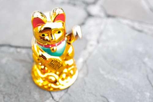 Maneki Neko Waving Cat Manekineko Wave Lucky Charm
