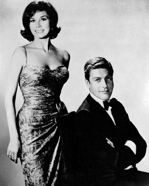 Mary Tyler Moore Dick Van Dyke Actress Actor