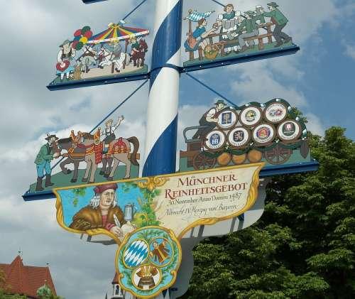 Maypole Bavaria Munich Tradition Viktualienmarkt