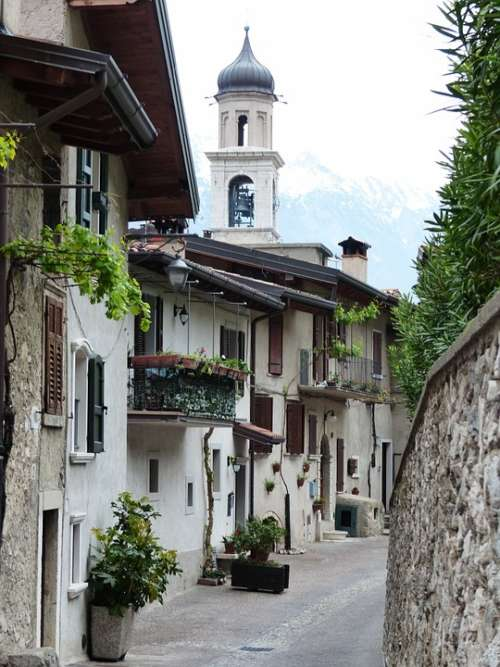 Md Church Of San Alley Road Houses Limone Sul Garda