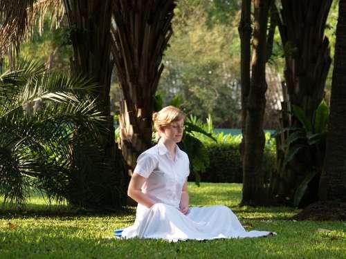 Meditation Woman Buddhist Meditate Wat