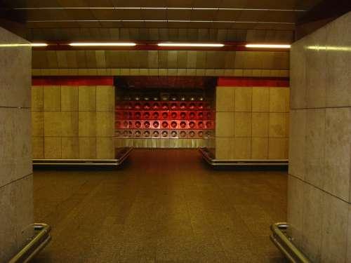 Metro Prague Ocher Night