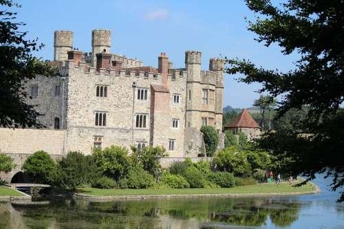 Moated Castle Castle Water Leeds Castle