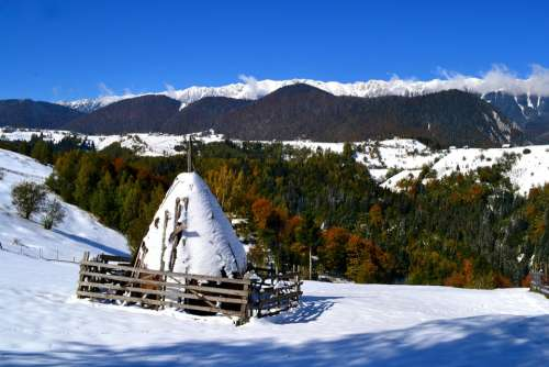 Moeciu Landscape Mountain Nature Carpathians