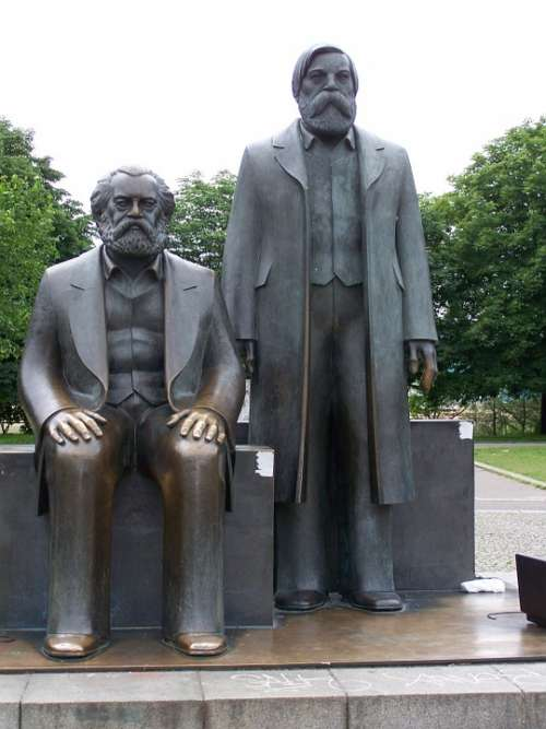 Monument Berlin Statue