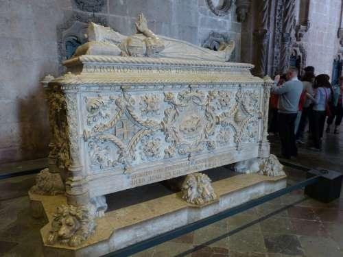 Mosteiro Dos Jerónimos Jeronimo Monastery Grave