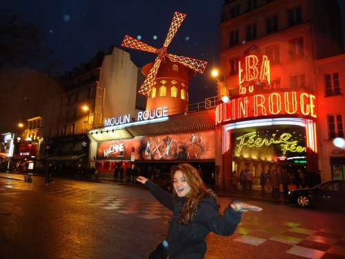Moulin Rouge Red Light Traffic Architecture