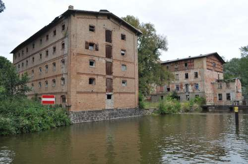Müritz House Ruin Steinfoerde