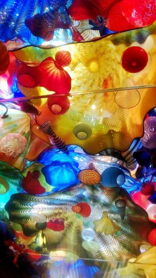 Museum Art Glass Chihuly Red Blue Yellow Color