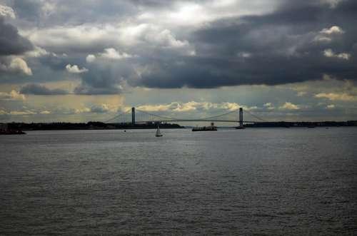 New York City Bridge River City Manhattan Ships