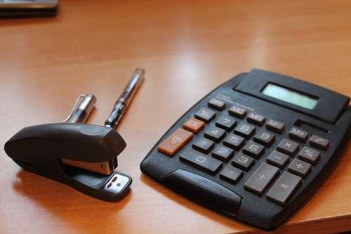 Office Desk Filler Spider Monkey Calculator