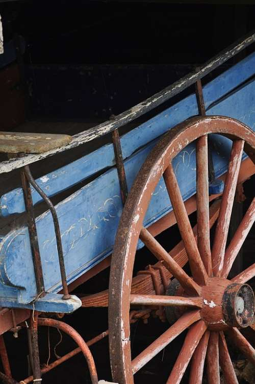 Old Rustic Wagon Wheel Spok Spokes
