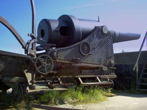 Old Russian Coastal Cannon Cannon Sunny Sky Blue