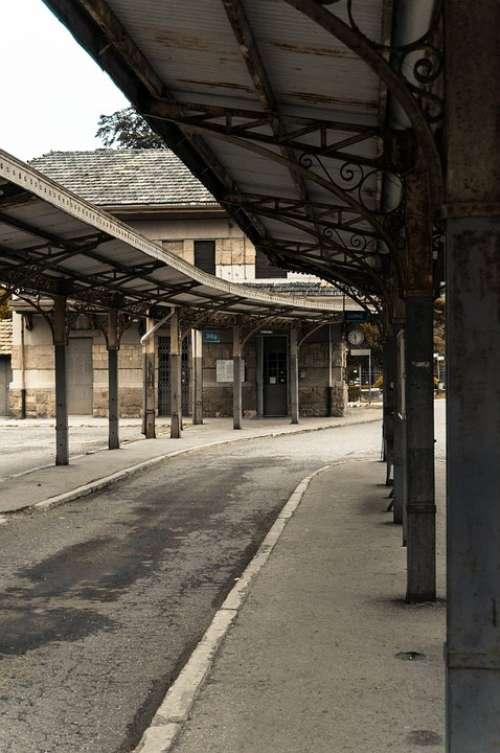 Old Railway Station Bus Station Buses Sidewalk Stop