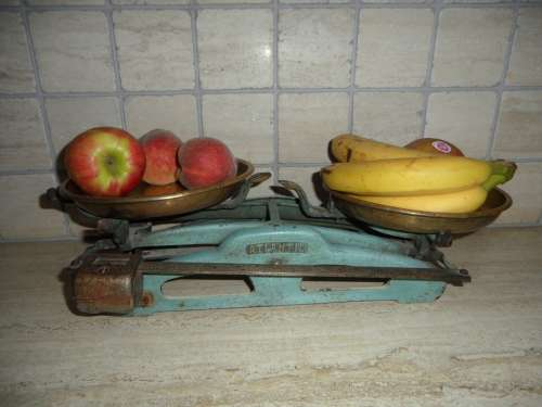 Old Scale Old Horizontal Weigh Fruit Weigh Out