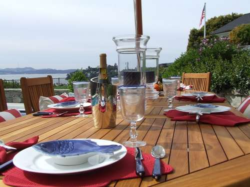 Outdoor Dining Luxury Table Setting Teak Dining