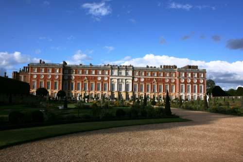 Palace Hampton Court England Blue Sky Uk
