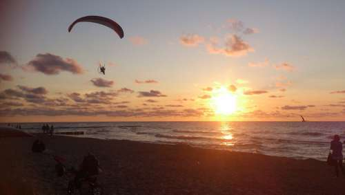 Paraglider The Baltic Sea Holiday Rewal The Sun
