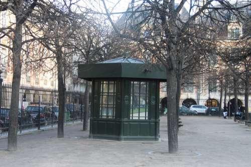 Paris Kiosk Park