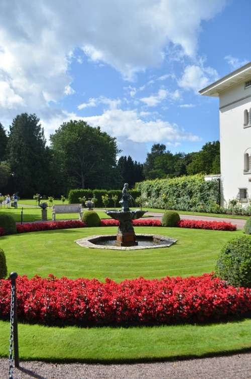 Park Royal Romance Garden Attractive Fairy King