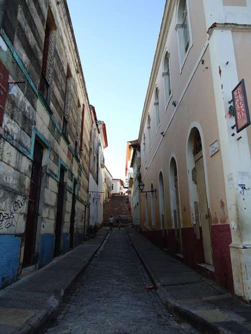 Path Narrow Houses